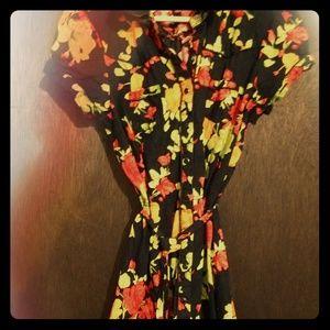 👗Cute flowered shirt-dress\ top w snap closure